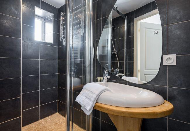 Apartment in Lyon - Honorê Suite Dauphin - 3 pers